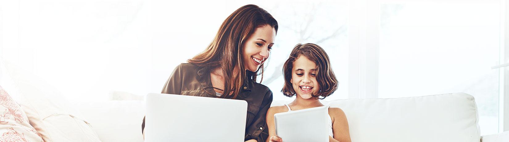 Rodzina i laptop